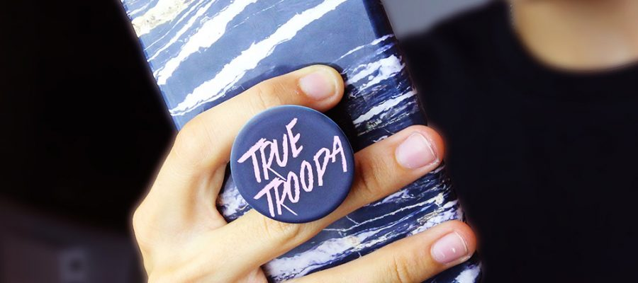 rebrand or repostion your brand with popsocket